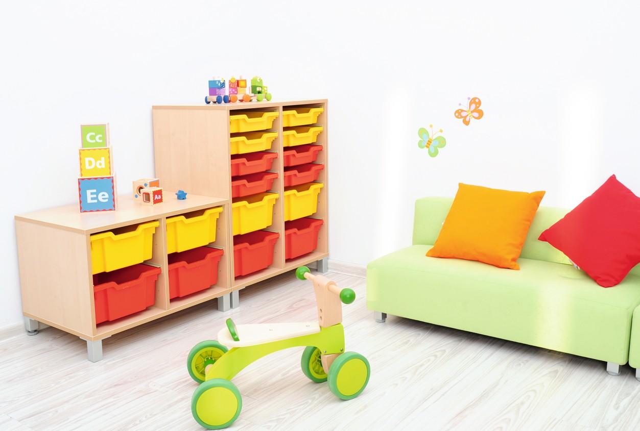 mytibo regal s f r kunststoffbeh lter auf beinen. Black Bedroom Furniture Sets. Home Design Ideas